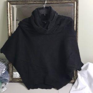 Vince Cowl neck dolman sleeve sweater Sz XS